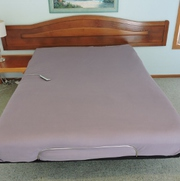 Electric adjustable queen size bed